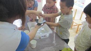 同学们第四单元的学习开始了,这个单元的写作是有趣的实验,精品学习网向大家呈现了苏教版六年级下册四单元作文,其中包含有:鸡蛋浮在水面上、鸡蛋跳舞的试验等,下面就让我们一起来品读吧!